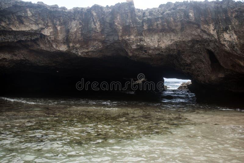 Caverne de l'eau photographie stock