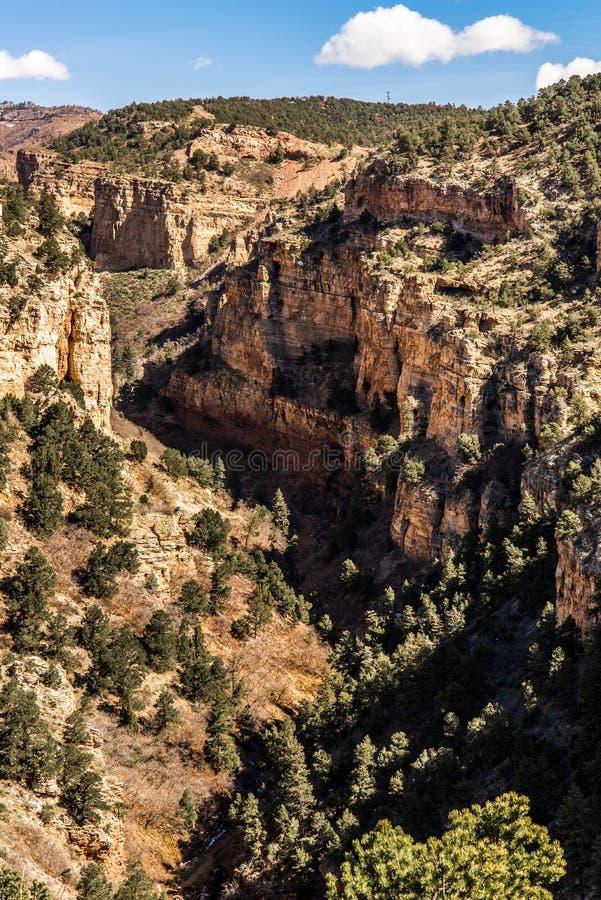 Caverne des vues de canyon de route de vents photographie stock libre de droits