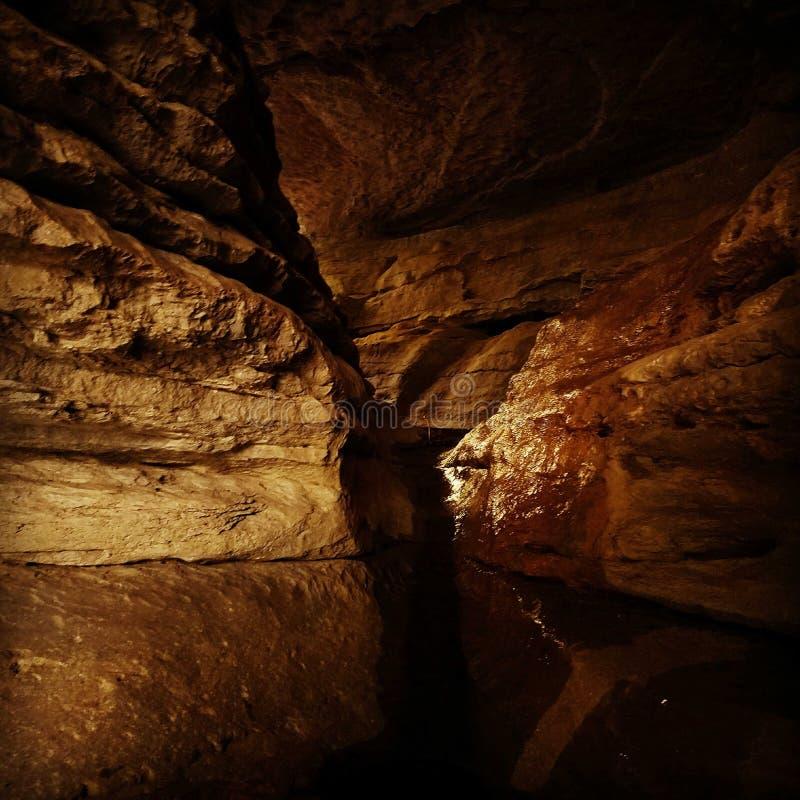 Caverne inondée images stock