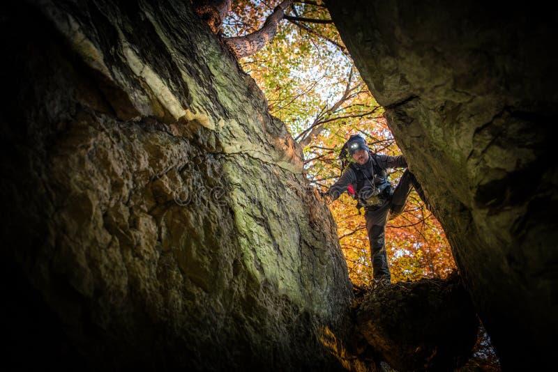 Caverne récréationnelle explorant photos libres de droits