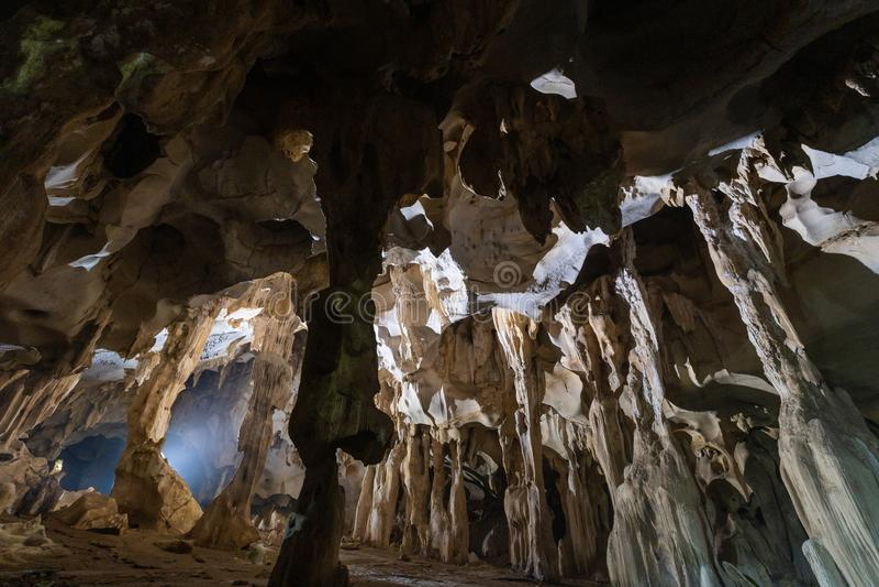Caverne souterraine foncée d'A-rawan, Phare, Thaïlande photos stock