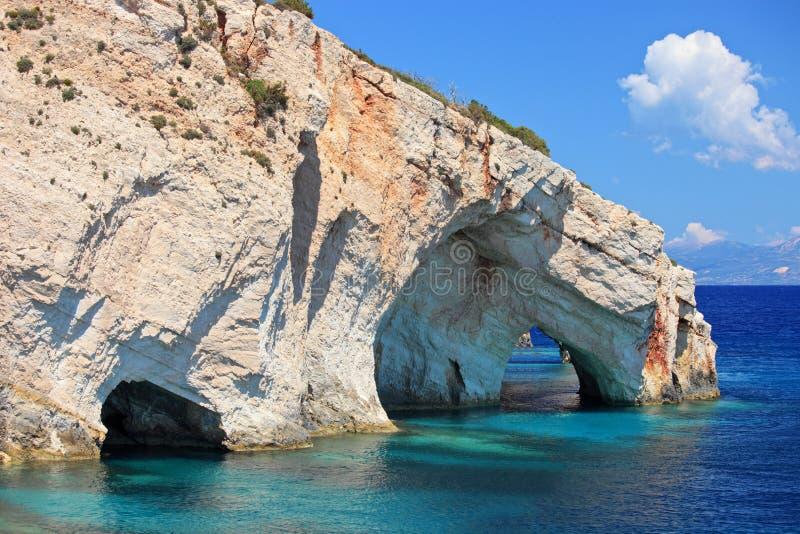 Cavernes bleues sur l'île de Zakynthos photographie stock libre de droits