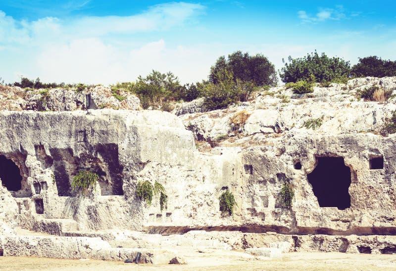 Cavernes de chaux pr?s du th??tre grec de Syracuse Siracusa, ruines de monument antique, Sicile, Italie photographie stock libre de droits