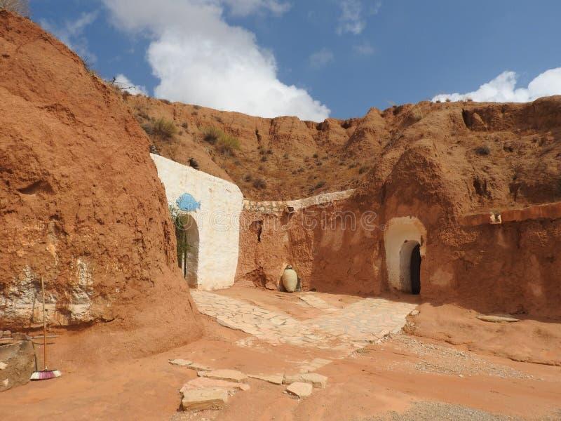 Cavernes souterraines de troglodytes des Berbers dans le désert du Sahara, Matmata, Tunisie, Afrique, un temps clair photos libres de droits