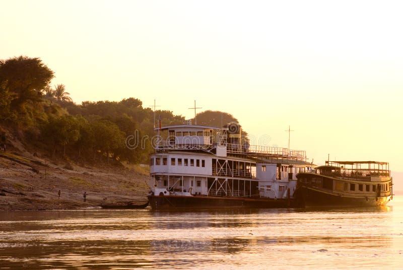 Cavo di sicurezza del Myanmar il riv irrawaddy fotografie stock libere da diritti