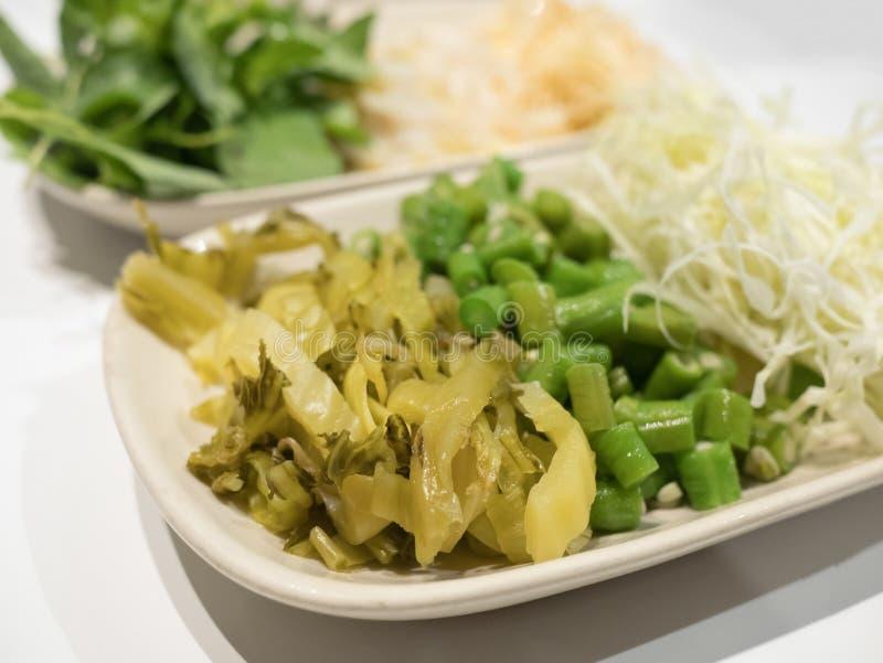 Cavolo cinese marinato, fagiolo lungo affettato, cabbag affettato fotografie stock libere da diritti