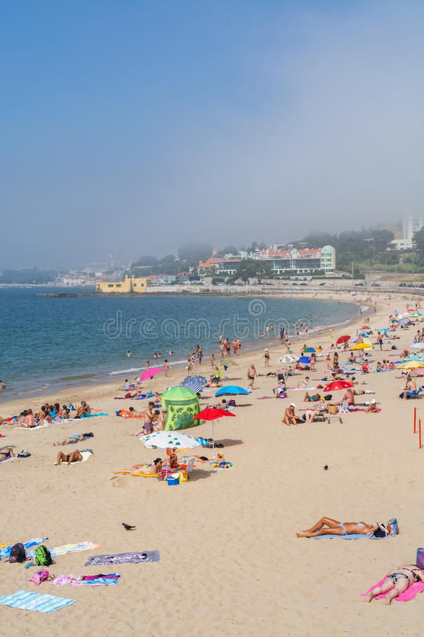 Caxias strand i Caxias, Portugal arkivbild