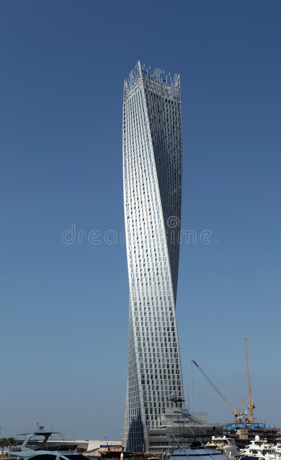 cayan tower o torre del infinito en dubai