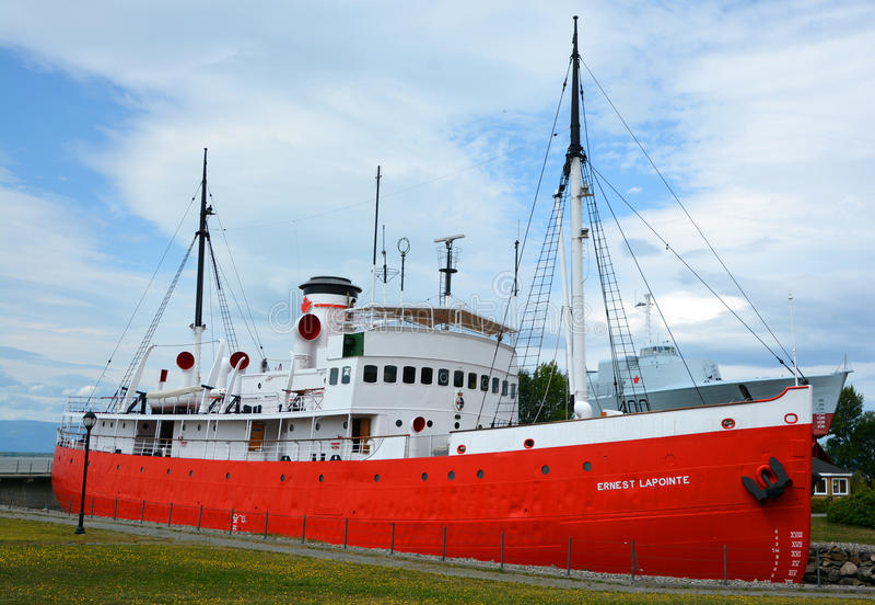 CCGS欧内斯特Lapointe破冰船, 免版税库存图片