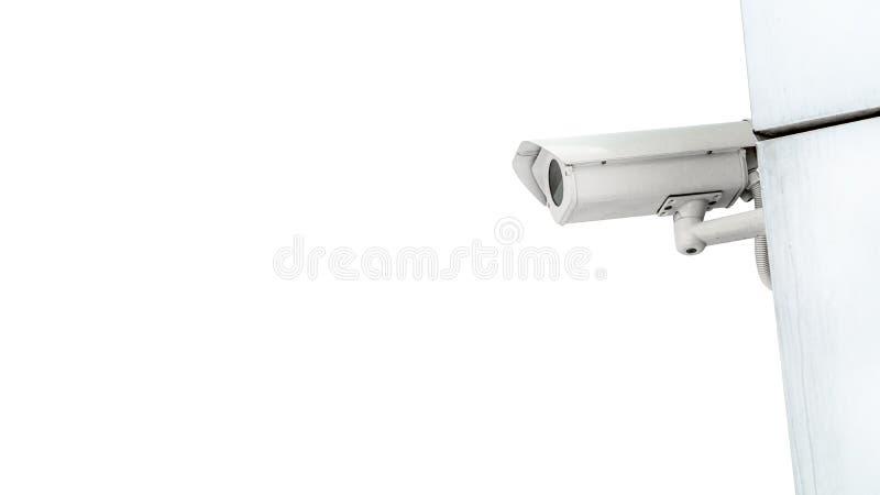 Cctv-Überwachungsüberwachungskamera-Videoausrüstung auf Wand des Turms oder des Hauses lokalisiert auf weißem Hintergrund- und Ko stockbild