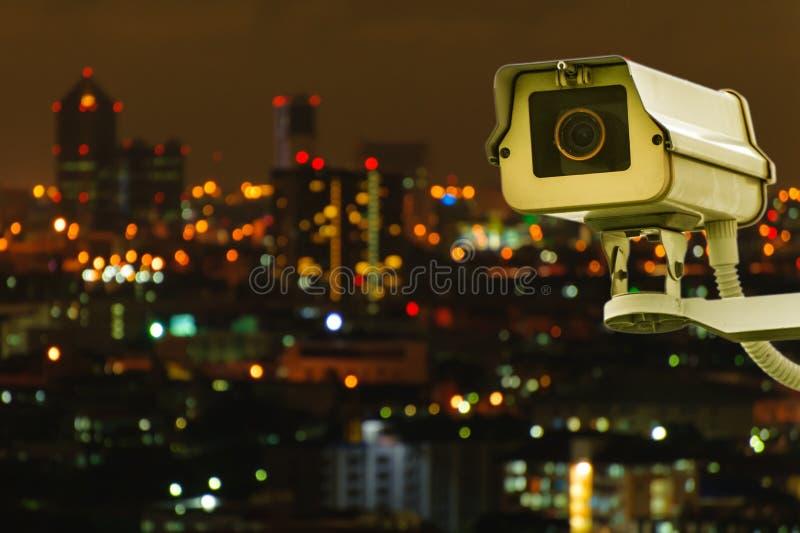 CCTV με την πόλη Bluring στο υπόβαθρο στοκ εικόνα με δικαίωμα ελεύθερης χρήσης