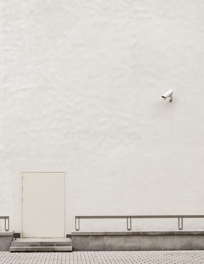 CCTV камеры слежения на стене стоковые изображения rf