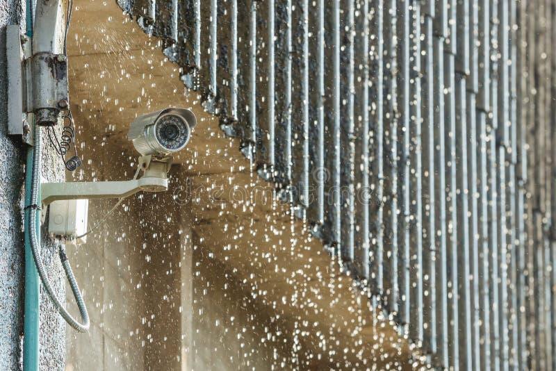 CCTV en la lluvia fotos de archivo