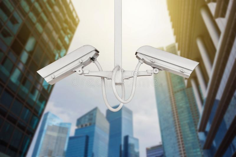 CCTV för bevakning för trafiksäkerhetskamera i stad royaltyfria bilder