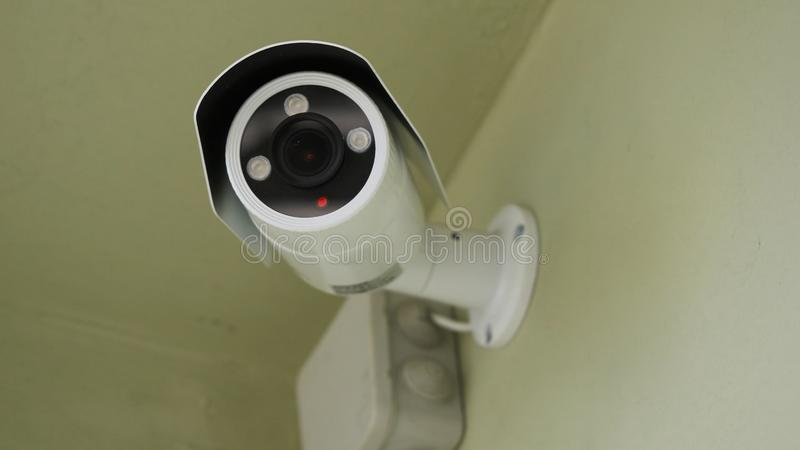 Cctv installato sulla parete a sicurezza della proprietà, sicurezza dell'interno Videosorveglianza dell'interno, primo piano fotografia stock libera da diritti