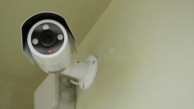 Cctv installato sulla parete a sicurezza della proprietà, sicurezza dell'interno Videosorveglianza dell'interno, primo piano fotografia stock