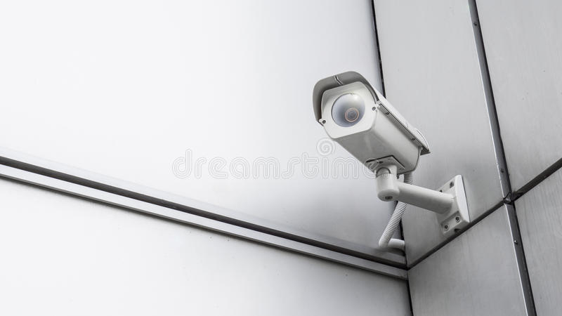 CCTV inwigilaci kamery bezpieczeństwa wideo wyposażenie w wierza domowym i domowym budynku na ścianie dla zbawczego systemu teren zdjęcie royalty free
