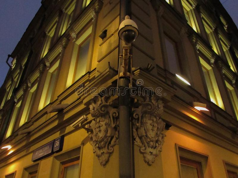 CCTV kamera i stara architektura fotografia stock