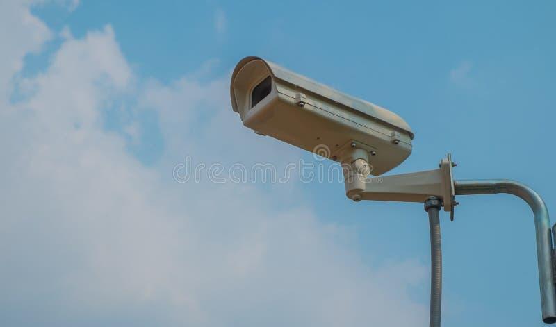 CCTV kamery instalować w parku obrazy stock