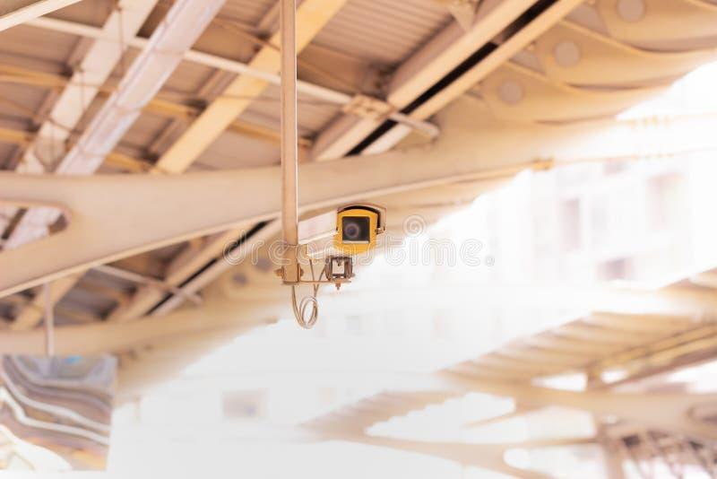 CCTV med den suddiga tunnelbanadrevplattformen royaltyfria bilder