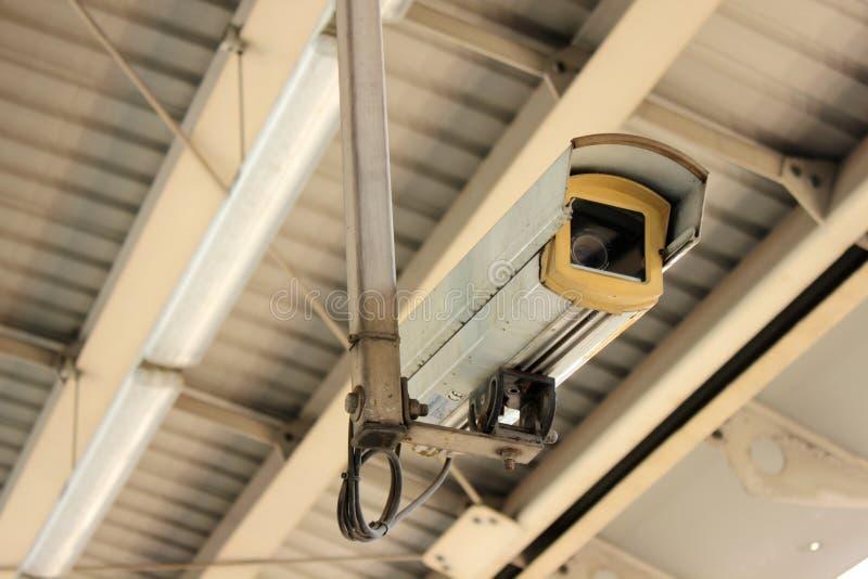 CCTV på flygplatsen interlink drevstationen royaltyfri foto
