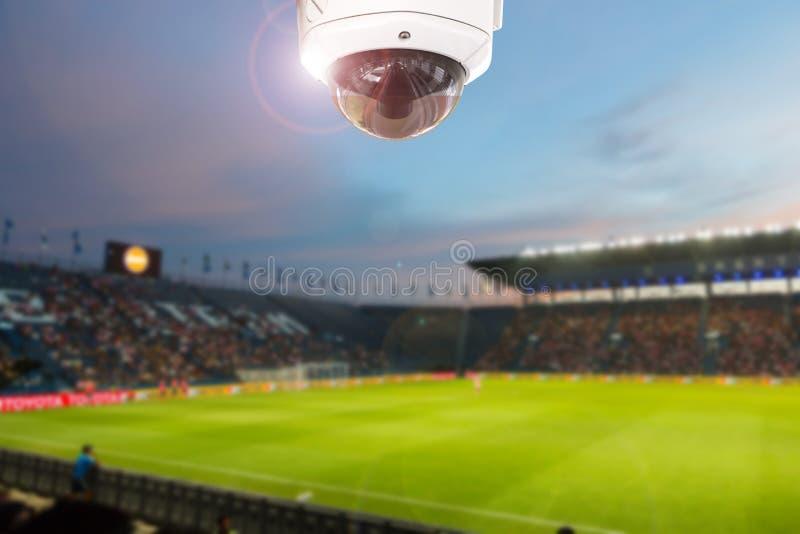 Cctv-Stadionsfußball-Dämmerungshintergrund stockfotos