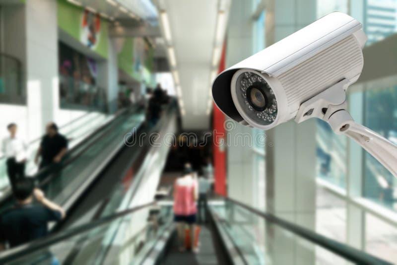 CCTV systemu ochrona w zakupy centrum handlowym obraz royalty free