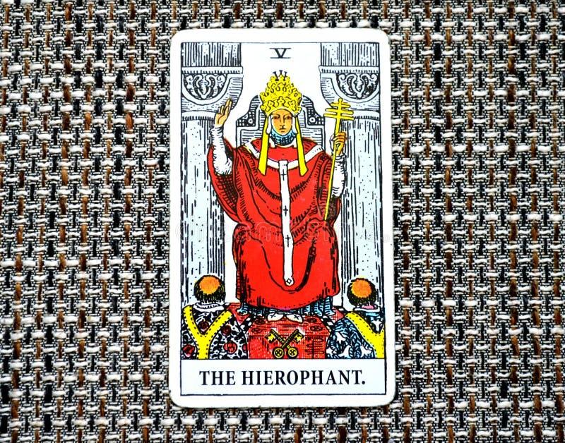 Ccult гуру традиции образования заведений карточки Hierophant Tarot стоковое фото
