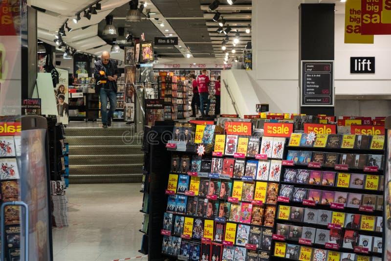 CD和DVD商店内部 免版税库存照片