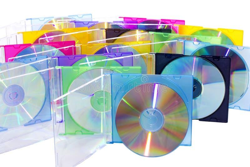 CD in den freigegebenen farbigen Kästen lizenzfreie stockfotografie