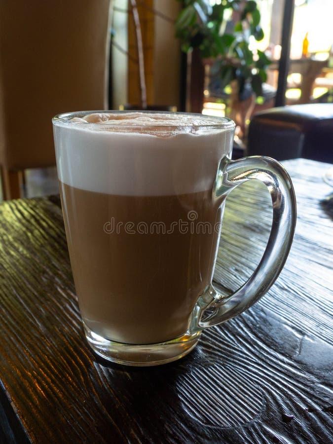Ce dernier de café - boisson fraîche de café en verre image libre de droits