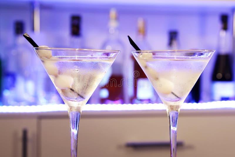 Cebola de Gibson martini do cocktail do álcool fotografia de stock royalty free