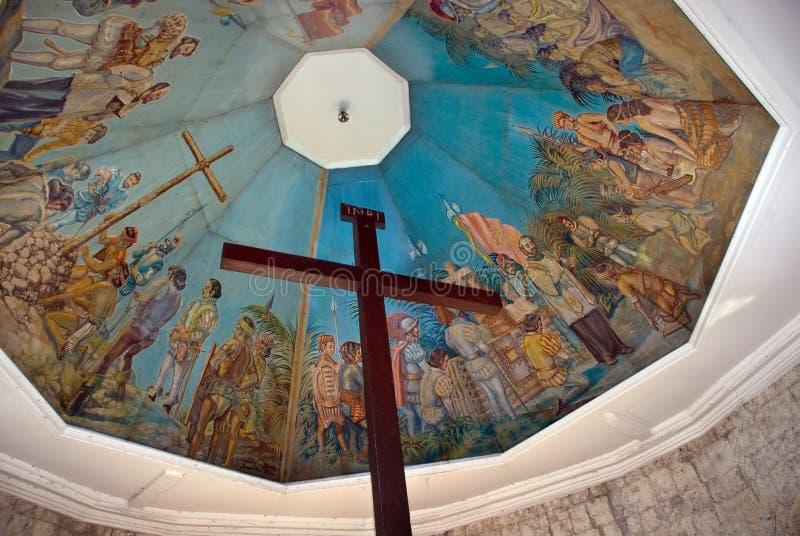 Cebu-historischer Grenzstein: Magellans Kreuz lizenzfreies stockbild