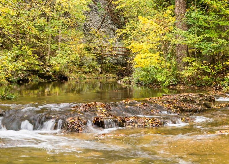 Cedar Creek, pont naturel, VA photographie stock libre de droits