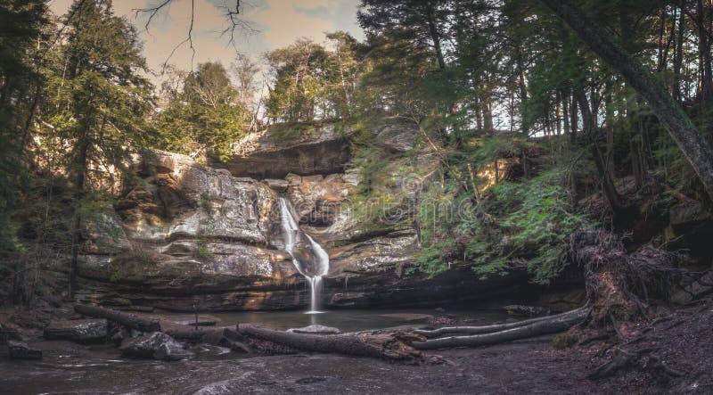 Cedar Falls Hocking kulledelstatspark royaltyfri foto