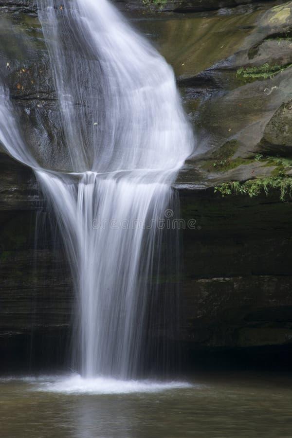 Cedar Falls na floresta do estado dos montes de Hocking fotografia de stock