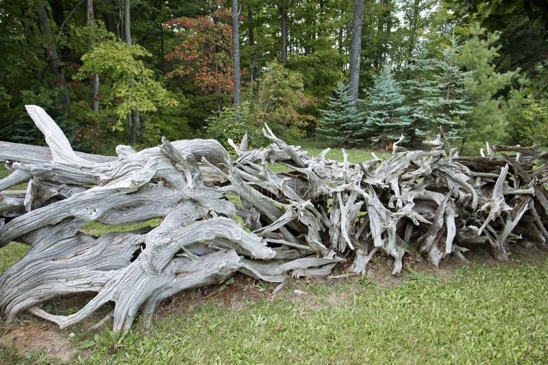 Cedar Fence de madeira feito a mão fotos de stock royalty free