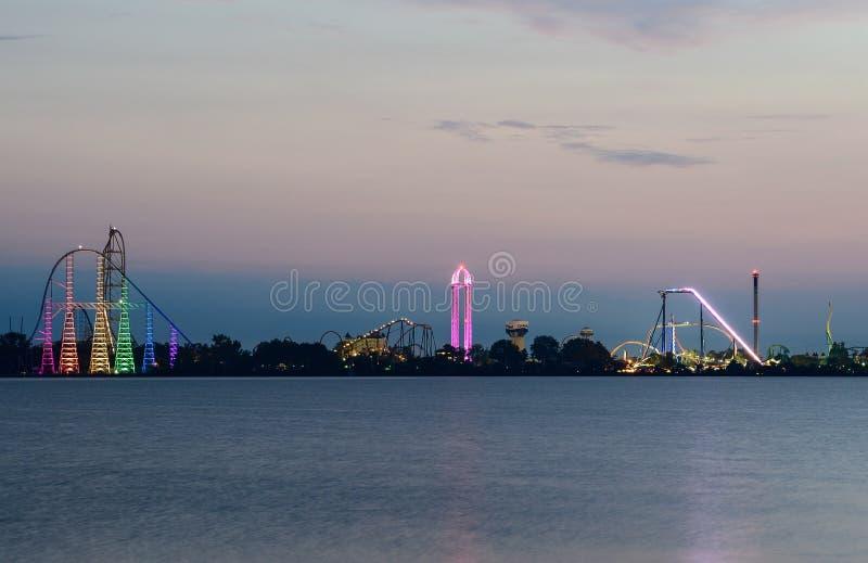 Cederpunkt-Vergnügungspark kurz vor Sonnenaufgang stockfotografie