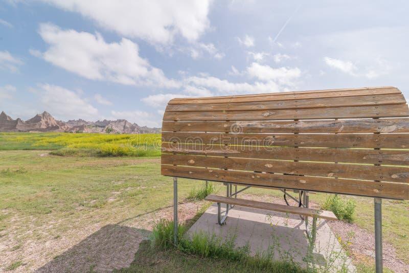 Cedrowy przepustki obozowisko w badlands parku narodowym - samochodowy camping, obozowicze, rv, namioty zdjęcie stock