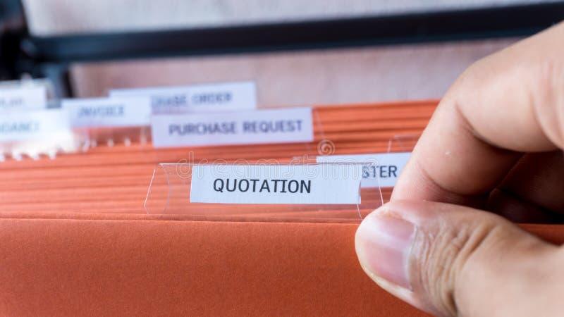 Ceduła biznesowy dokument na biurowym gabinecie zdjęcia stock