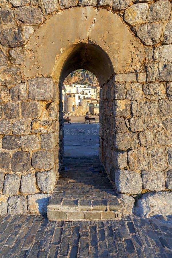 Cefalu Сицилия город старый стоковые изображения