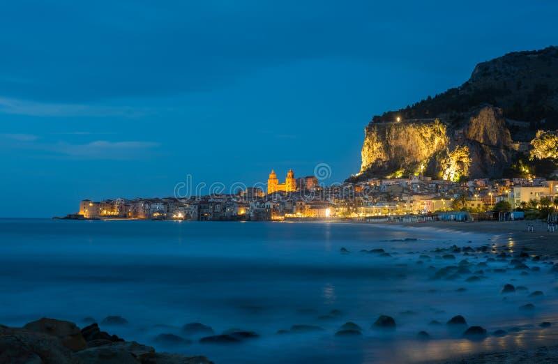 Cefalu, μεσαιωνικό χωριό του νησιού της Σικελίας, Ιταλία στοκ φωτογραφίες