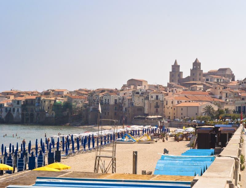 cefalu Сицилия пляжа стоковые фото