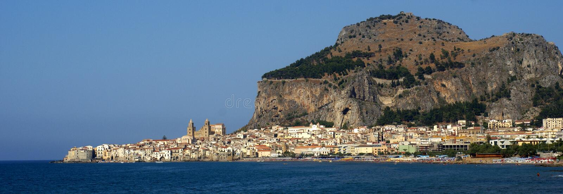 Cefalu do panorama - Sicília foto de stock royalty free