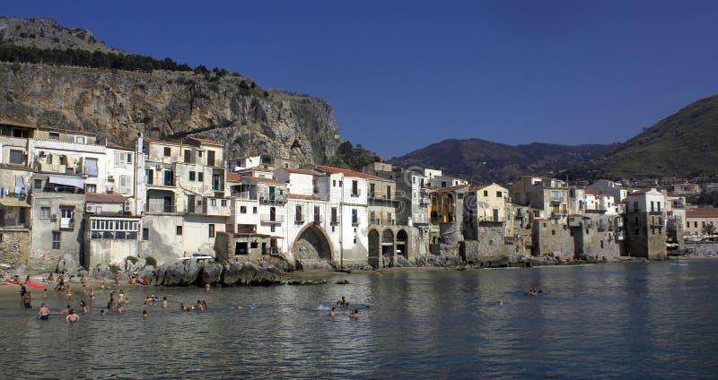 Cefalu en Sicile photo libre de droits