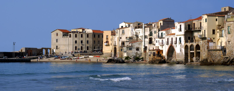 Cefalu velho - Sicília imagem de stock royalty free