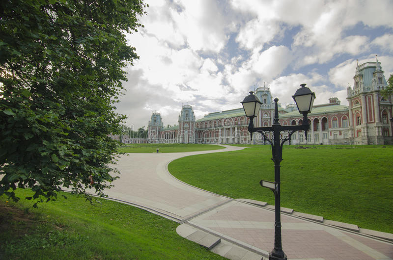 Cegła kasztel w Tsaritsyno parku obraz stock