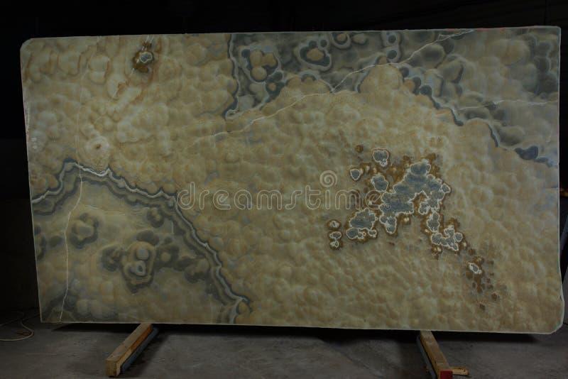 Cegiełka naturalny kamienny dymiący onyks, rozważająca być półszlachetny i mieć 3d skutek fotografia royalty free