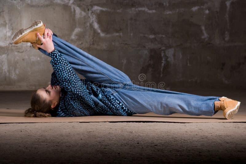 ceglanego tancerza hip hop nowożytna nadmierna stylu ściana zdjęcie stock