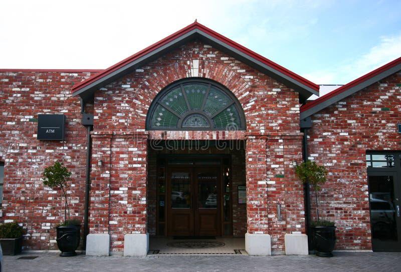 Ceglany zewnętrzny wejście garbarnia w Christchurch, Nowa Zelandia obrazy stock